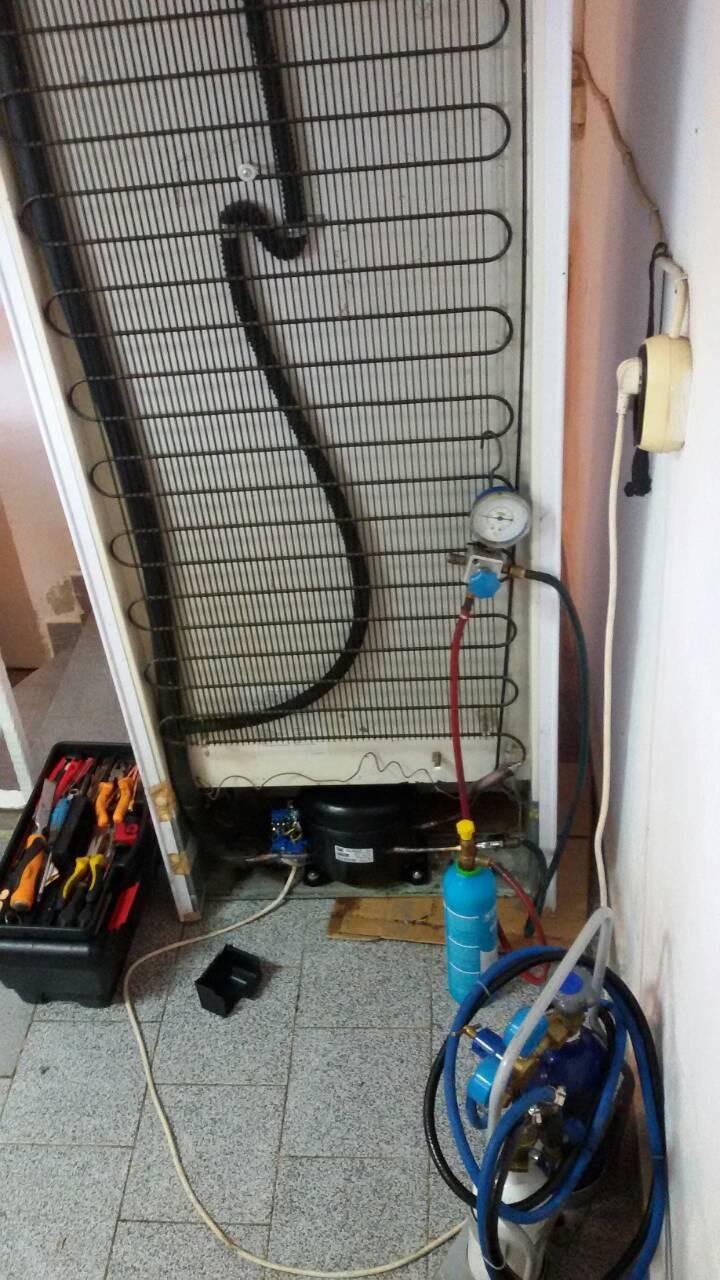 Смяна компресор ZMC GL99AA R134a на Хладилна витрина Liebherr_1