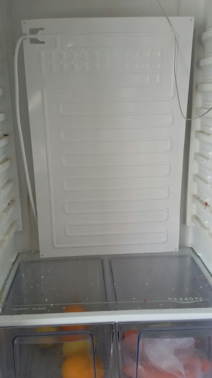 Монтаж на изпарител на двукомпресорен хладилник AEG