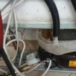 Монтаж на изпарител на хладилник Electrolux с превкючващ магнет вентил_2